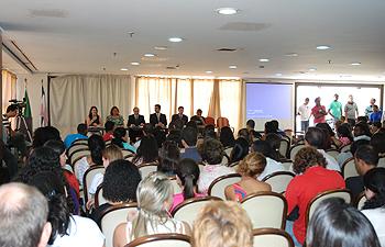 PrimeiraConferenciaDeJovens_23112012_Publico_media_Renata.jpg